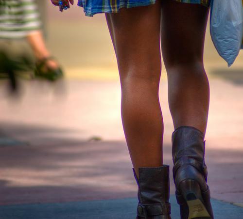 blacks-girls-in-short-skirts