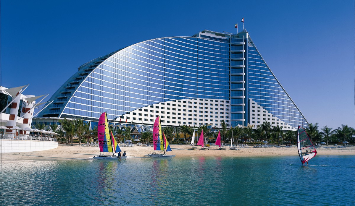 Read rules for unmarried couples staying in dubai hotels for Best hotels in dubai for couples