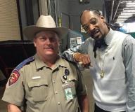 snoop-with-cop